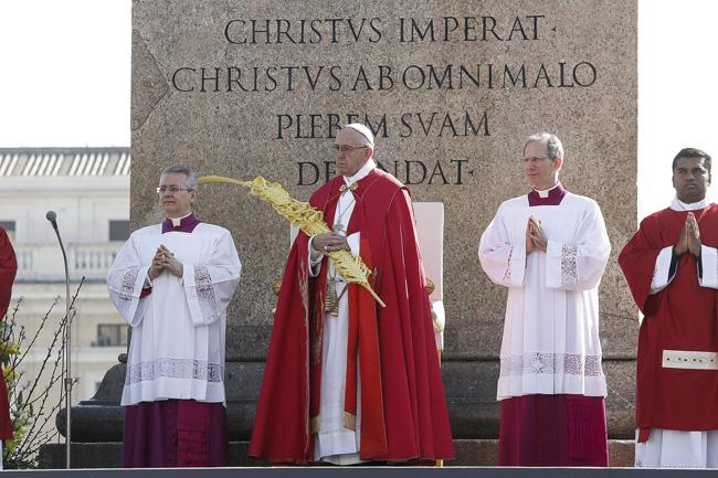 papa Francisco en la misa de Domingo de Ramos en la Plaza de San Pedro del Vaticano 20 marzo 2016