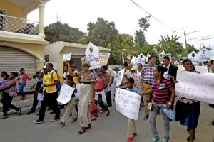 protesta por familias desalojadas en República Dominicana por una multinacional