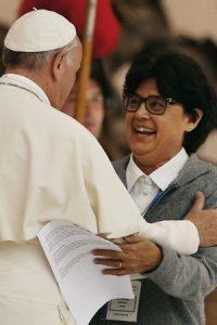 Carmen Sammut y el papa Francisco