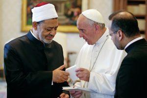 Papa Francisco y Ahmad Al Tayyib