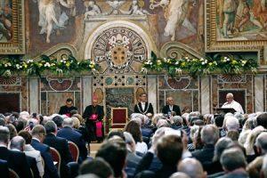 Francisco recibe el Premio Carlomagno