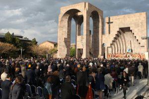 catedral apostólica de Echmiadzín, Armenia, canonización de las víctimas del genocidio armenio abril 2015