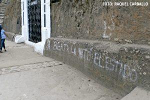 pintada en la entrada de una iglesia en la localidad de La Esperanza, Honduras, denunciando el asesinato de la líder Berta Cáceres