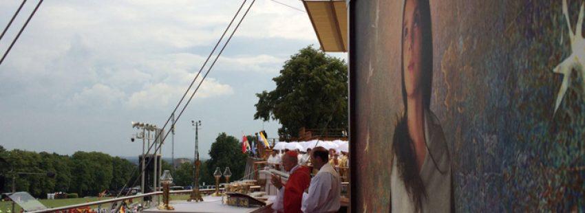 participantes españoles en la JMJ Cracovia 2016 celebran eucaristía en el santuario de Czestochowa 25 julio 2016 fiesta de Santiago Apóstol