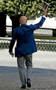Gianluigi Nuzzi, periodista que publicó el libro Via Crucis con información reservada sobre el Vaticano y fue juzgado en el caso Vatileaks 2