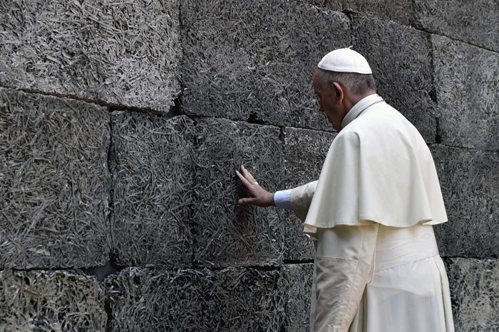 papa Francisco visita el campo de concentración de Auschwitz en Polonia 29 julio 2016