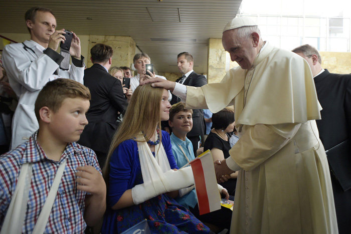 papa Francisco visita hospital infantil en Cracovia 29 julio 2016