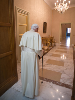 papa emérito Benedicto XVI en su última aparición pública tras su renuncia en Castelgandolfo