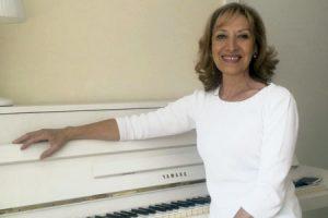 Pilar Márquez, mezzosoprano y autora del libro Cristo, música de Dios PPC