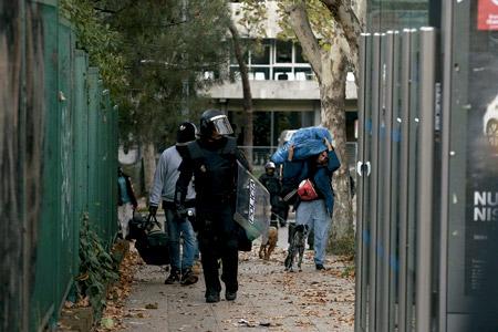 policía desaloja a varios okupas de un edificio