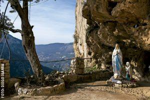 Líbano, santuario de Nuestra Señora de Hauqa, en el valle de la Qadisha, donde vive Darío Escobar, sacerdote colombiano ermitaño
