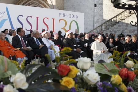 papa Francisco y líderes religiosos en la Jornada Mundia de Oración por la Paz Sed de Paz Asís 20 septiembre 2016