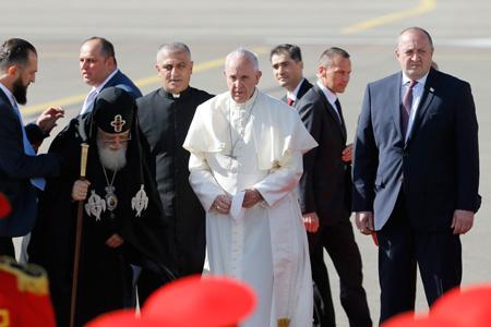 papa Francisco visita viaje Georgia ceremonia de bienvenida en el aeropuerto de Tiflis 30 septiembre 2016