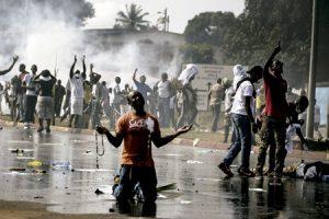 caos y violencia con muertos y heridos en Gabón después de las elecciones presidenciales agosto 2016