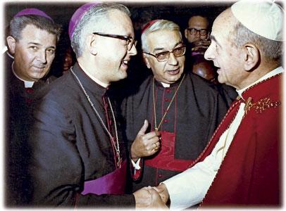 papa Pablo VI con el cardenal Vicente Enrique y Tarancón, el obispo Ramón Echarren y el obispo Maximino Romero de Lema
