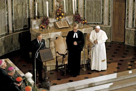 papa Francisco visita la comunidad luterana de Roma 15 noviembre 2015