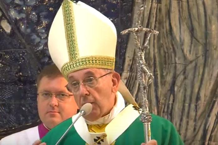Papa Francisco misa Baku Azerbaiyán