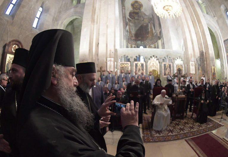 papa Francisco en Georgia visita Catedral Patriarcal de Svetitskhoveli, encuentro con el catholicós y patriarca Ilia II 1 octubre 2016