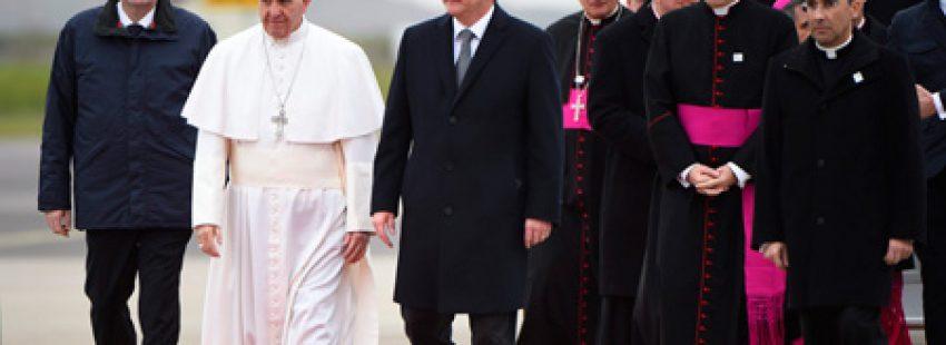 papa Francisco llega a Suecia viaje visita para conmemorar 500 años Reforma y diálogo católicos y luteranos 31 octubre 2016