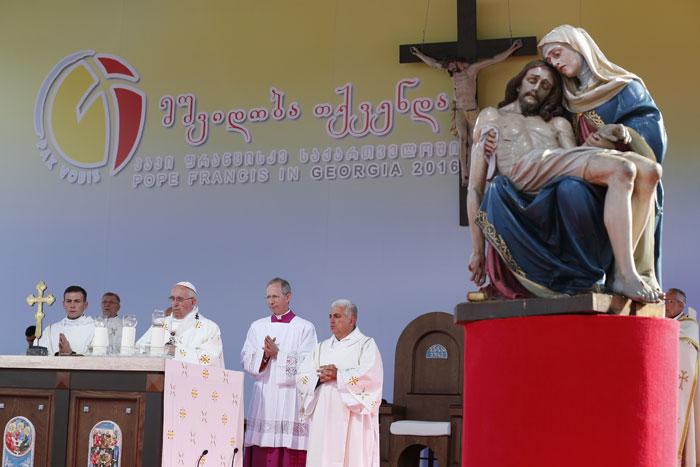 papa Francisco viaje visita Georgia misa en Tiflis 1 octubre 2016