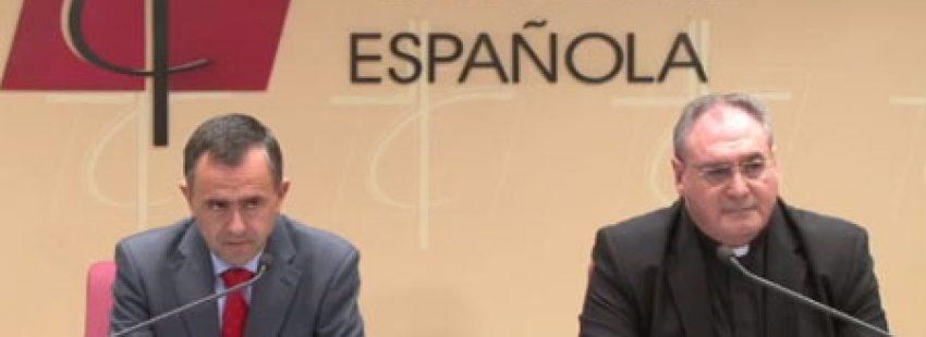 Fernando Giménez Barriocanal, vicesecretario de Asuntos Económicos, y José María Gil Tamayo, secretario general de la Conferencia Episcopal Española CEE, rueda de prensa Madrid Asamblea Plenaria noviembre 2016
