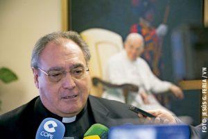 José María Gil Tamayo, secretario general de la CEE, en un momento de la Asamblea Plenaria noviembre 2016