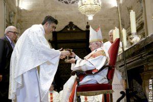 cardenal Antonio Cañizares en la misa de clausura del Año Santo de la Misericordia en la Archidiócesis de Valencia noviembre 2016