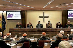 reyes Felipe y Letizia visitan la sede de la Conferencia Episcopal Española CEE 22 noviembre 2016