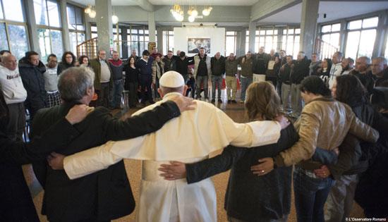 papa Francisco visita Comunidad San Carlo para rehabilitación de drogodependientes cerca de Castel Gandolfo 29 febrero