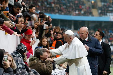 papa Francisco viaje visita Suecia para conmemorar los 500 años Reforma católicos luteranos misa en el Swedbank Stadion de Malmö