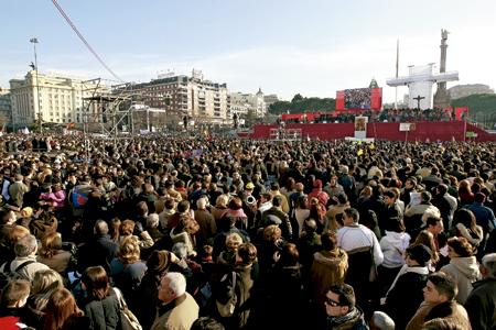 misa por las familias celebrada en la Jornada de la Sagrada Familia en diciembre en la Plaza de Colón de Madrid