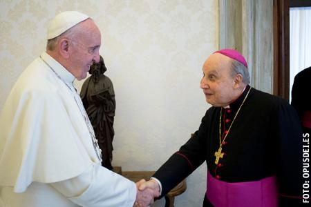 papa Francisco y Javier Echevarría prelado del Opus Dei en audiencia el 7 de noviembre 2016