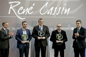 El Gobierno vasco entrega el Premio René Cassin 2016 a representantes de la Comunidad de SantEgidio por su trabajo a favor de los refugiados