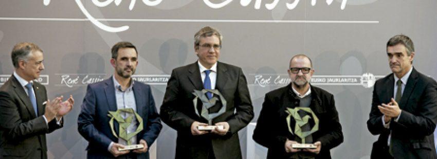 El Gobierno vasco entrega el Premio René Cassin 2016 a representantes de la Comunidad de Sant'Egidio por su trabajo a favor de los refugiados