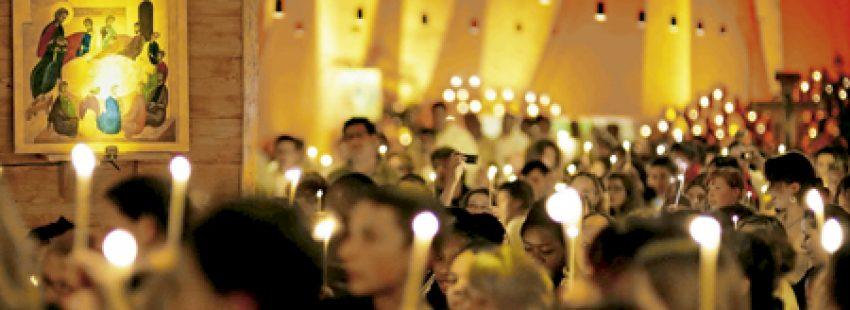 jóvenes europeos celebración con la comunidad ecuménica de Taizé