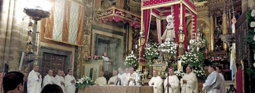 misa en honor de la Virgen de Guadalupe, patrona de Extremadura