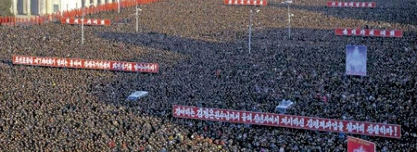 desfile propagandístico en Pionyang Corea del Norte