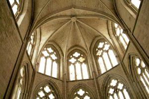 interior del monasterio de Santa María de Cañas La Rioja