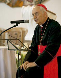 cardenal Mauro Piacenza, penitenciario mayor de la Santa Sede