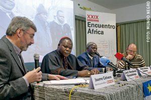 cardenal Dieudonné Nzapalainga e imán Omar Kobine Layma República Centroafricana en Madrid reciben Premio Mundo Negro a la Fraternidad 2016 enero 2017