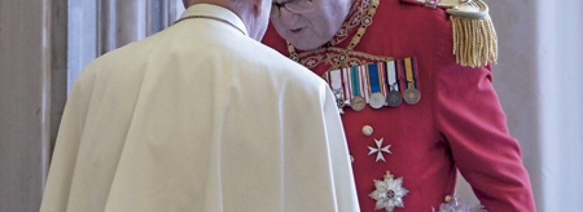 papa Francisco y Matthew Festing Gran Maestro de la Orden de Malta renuncia