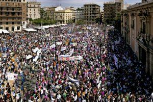 manifestación de Escuelas Católicas en Valencia contra la supresión de los conciertos educativos mayo 2016