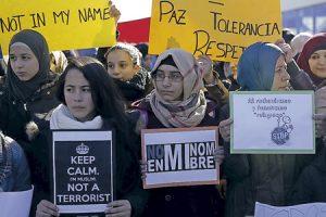concentración de musulmanes en Madrid para condenar ataques terroristas en Francia 2015