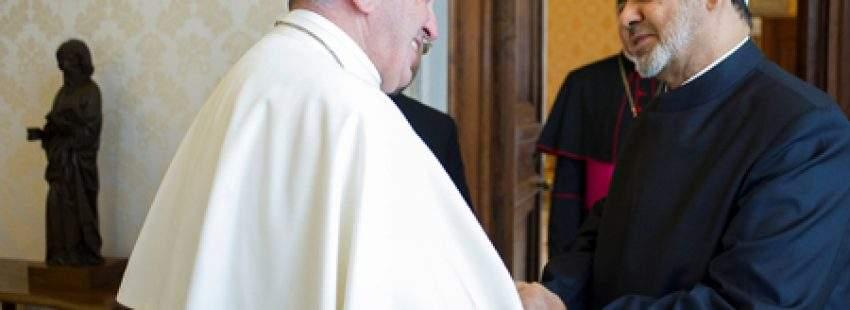 papa Francisco y Ahmed Mohamed el-Tayeb, imán de la mezquita de Al-Azhar, Vaticano 23 mayo 2016