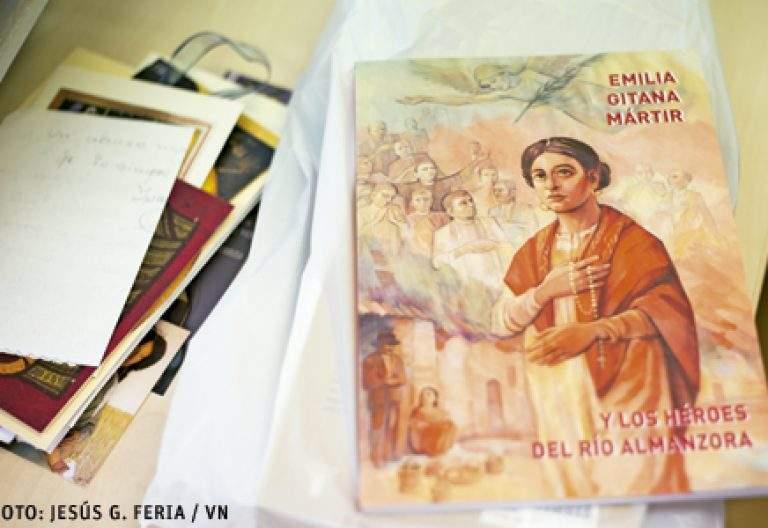 libro de la beatificación de Emilia Fernández, primera gitana mártir beatificada en Almería 25 marzo 2017