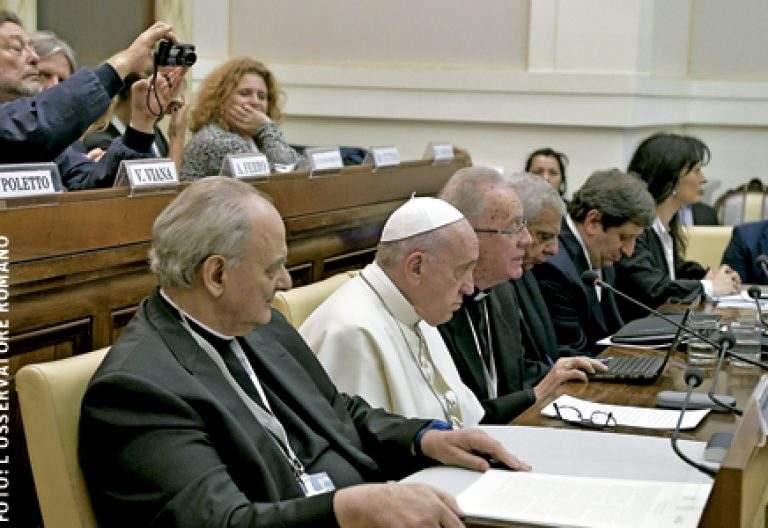 papa Francisco participa en el congreso Vaticano sobre agua febrero 2017