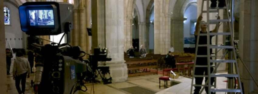 cámaras de TVE en la catedral de Santander para emitir una misa