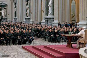 encuentro del papa Francisco con el clero sacerdotes de Roma basílica de San Juan de Letrán marzo 2017