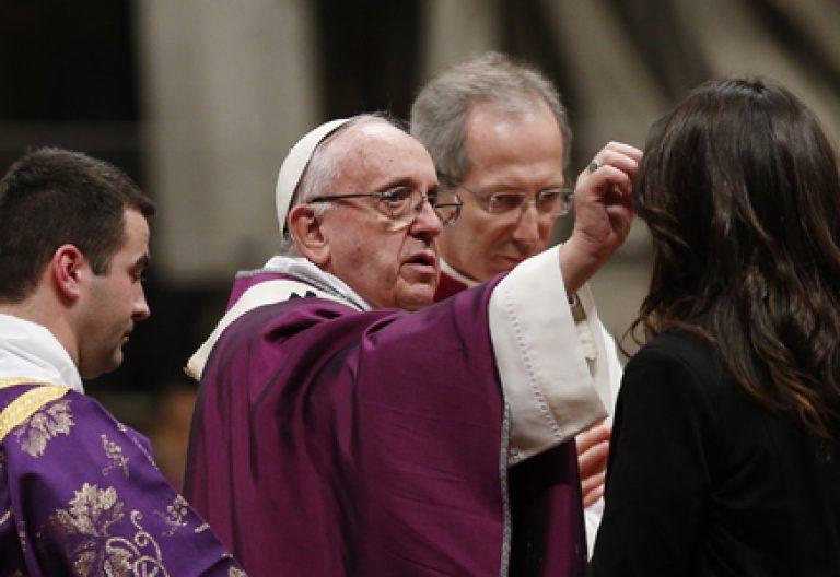papa Francisco en la celebración del Miércoles de Ceniza 2016 en el Vaticano