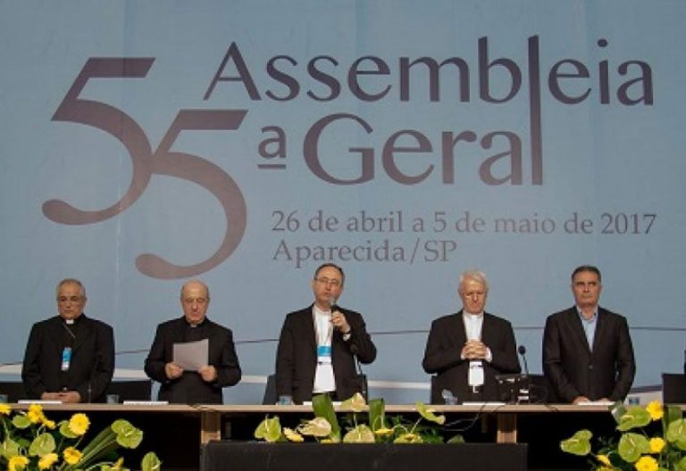 obispos de Brasil en la apertura de la 55 Asamblea Plenaria de la Conferencia Episcopal CNBB 26 abril 2017